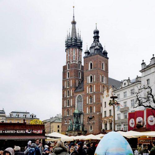 Pisanice na glavnom trgu